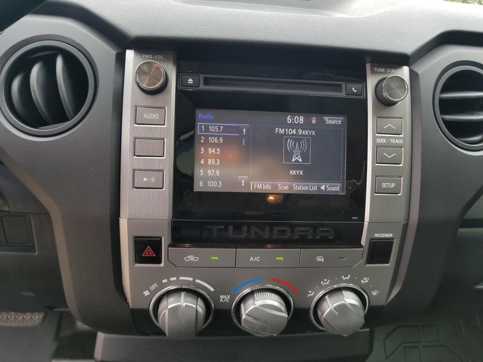 2017 Toyota Tundra SR5 4.6L V8 Double Cab 2WD