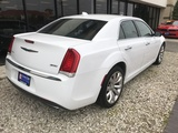 2018 Chrysler 300 Limited RWD thumbnail