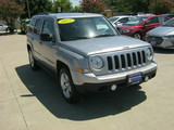 2017 Jeep Patriot Latitude 2WD thumbnail