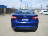 2016 Ford Fusion SE thumbnail