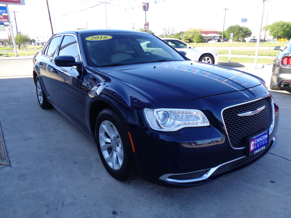 Car Dealerships In San Antonio Tx >> Used 2016 Chrysler 300 Limited RWD for Sale - Chacon Autos