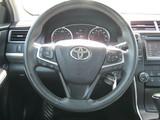 2016 Toyota Camry SE thumbnail