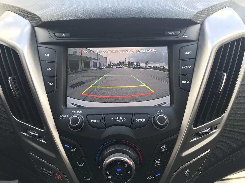 2015 Hyundai Veloster Base 6AT