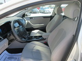 2016 Hyundai Sonata SE thumbnail