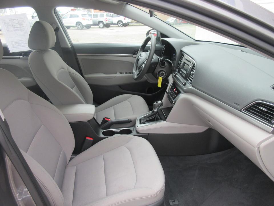 2018 Hyundai Elantra SE 6AT
