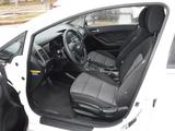 2016 Kia Forte 5-Door LX thumbnail