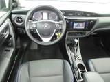 2017 Toyota Corolla SE CVT thumbnail