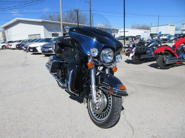 2013 Harley-Davidson FLHTCU –