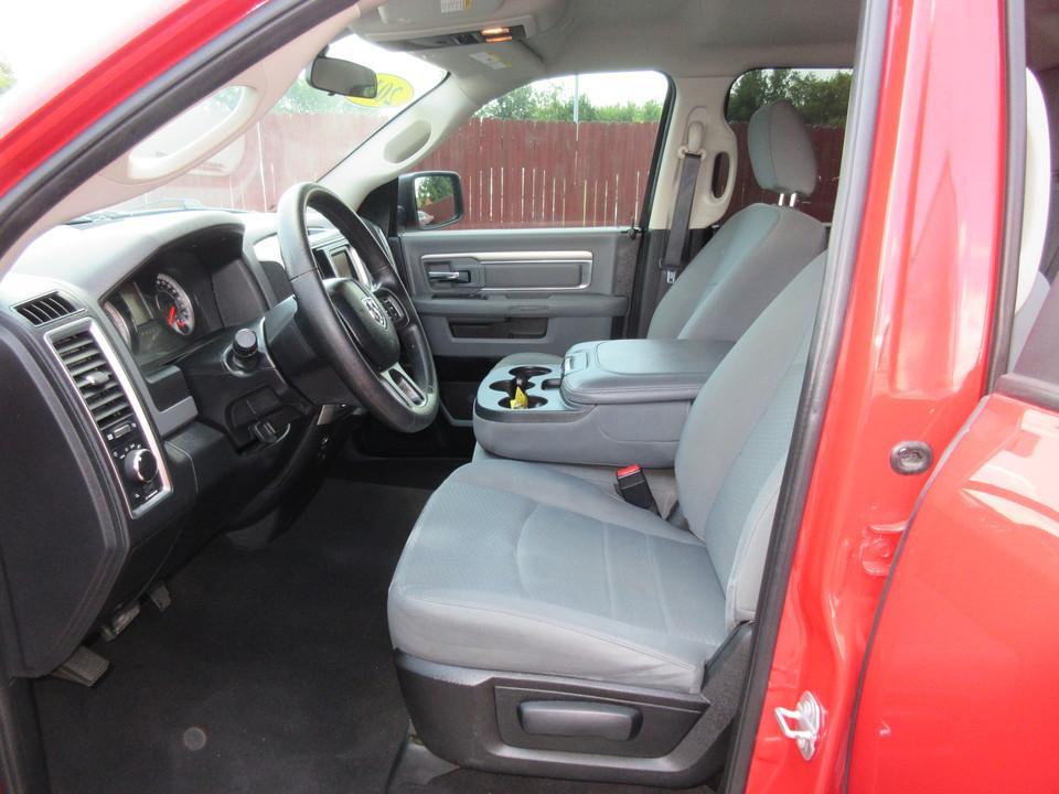 2017 Ram 1500 SLT Quad Cab 2WD