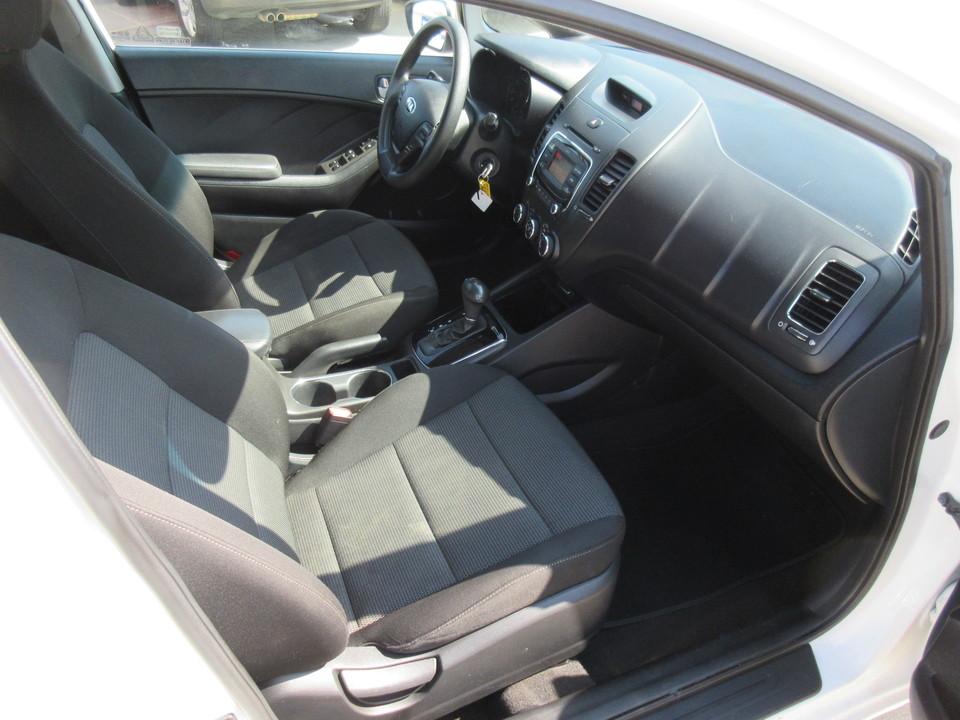 2017 Kia Forte 5-Door LX