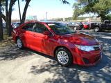 2014 Toyota Camry LE thumbnail