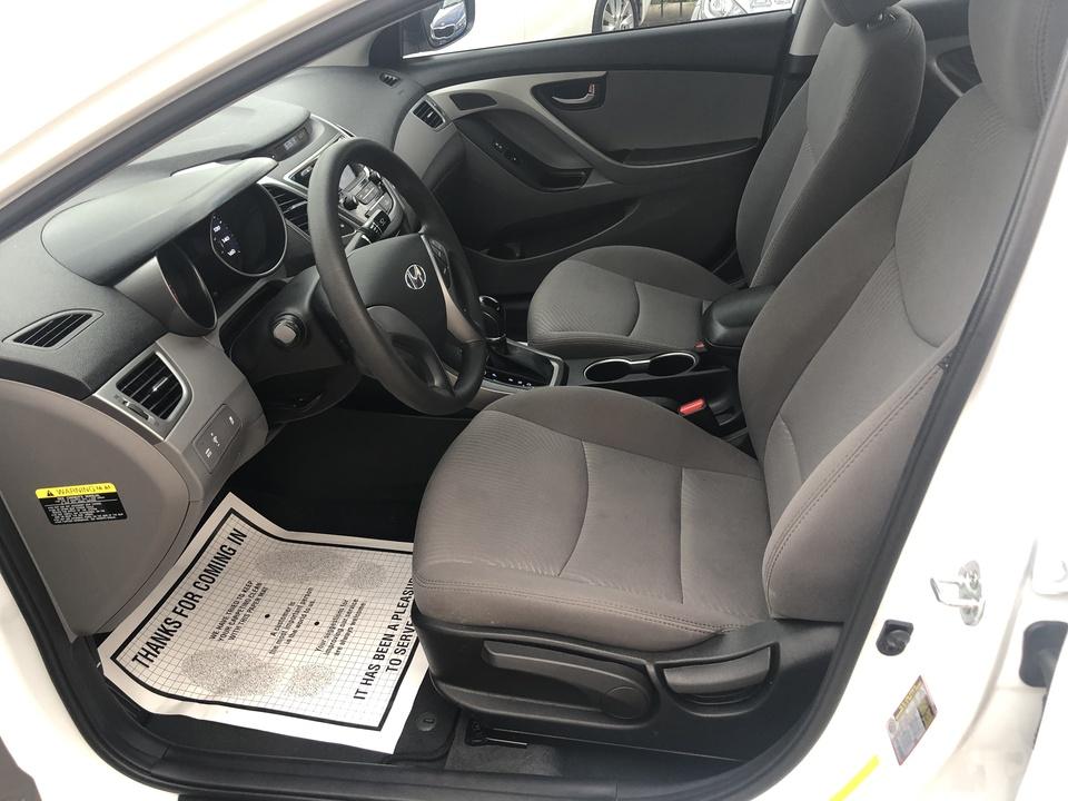 2016 Hyundai Elantra SE 6AT